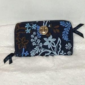 NWOT Vera Bradley Blue Java Turnlock Wallet